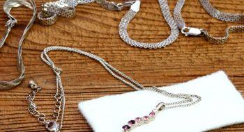 Gümüş Takılar Evde Nasıl Temizlenir?