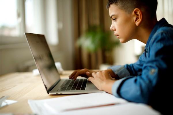 Uzaktan Eğitim Alan Çocukla Başa Çıkmak
